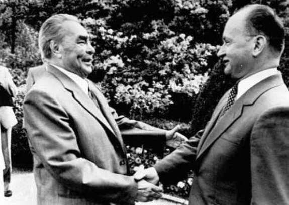 Л. Брежнев и В. Ярузельский в Крыму. Фото: 1982 г.