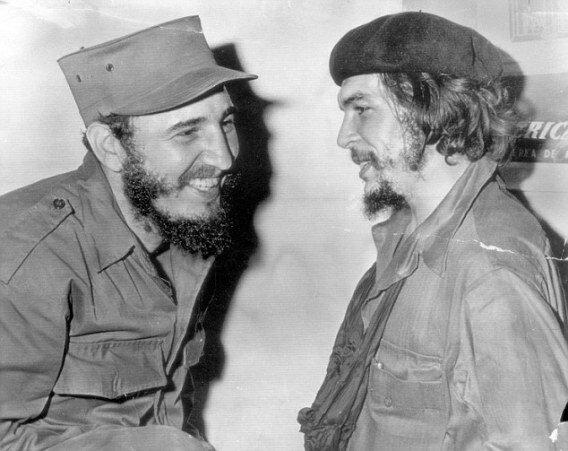 Фидель Кастро (слева) и Че Гевара, фото 1959 г.
