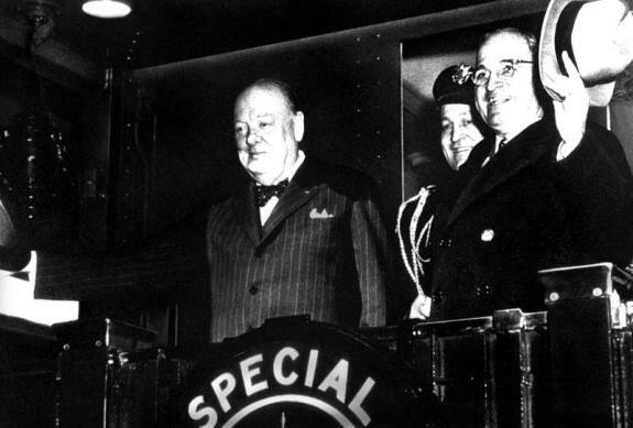 У. Черчилль и Г. Трумэн. Фултон, 5 марта 1946 г.