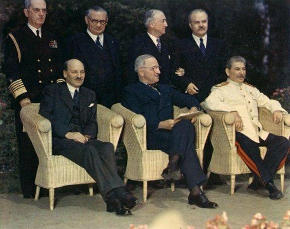 К. Эттли, Г. Трумэн, И. В. Сталин на Потсдамской конференции, 1945 г.