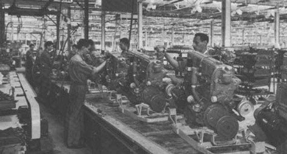 В цехах Fabrica nacional de motores. Фото: 1960-е гг.