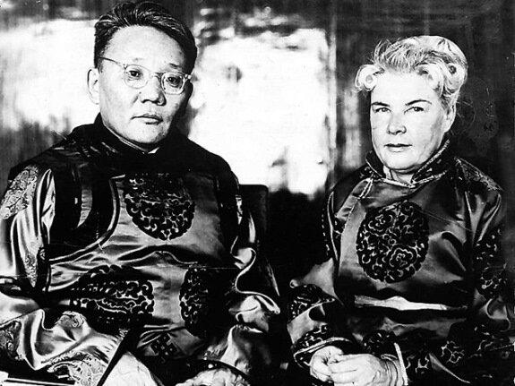 Ю. Цэдэнбал и А. Филатова-Цэдэнбал