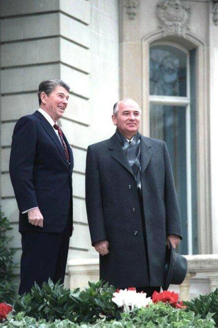 Рейган и Горбачев на саммите в Женеве, фото 1985 г.