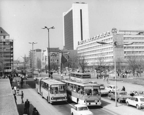 Икарусы в Берлине, ГДР. Фото: 1979 г.