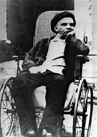 Ленин в Горках после инсульта. Фото: 1923 г.