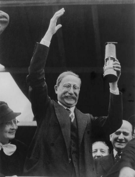 Леон Блюм. Фото: Париж, 14 июля 1936 г.