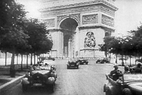 Немцы входят в Париж. Фото: 14 июня 1940 г.