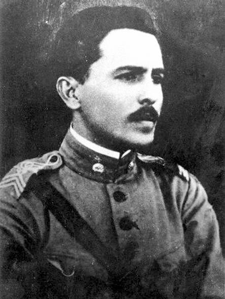 Престес во время ноябрьского восстания 1935 г.