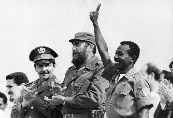 Рауль Кастро, Фидель Кастро и лидер Эфиопии Менгисту Хайле Мариам. Фото: 1975 г.