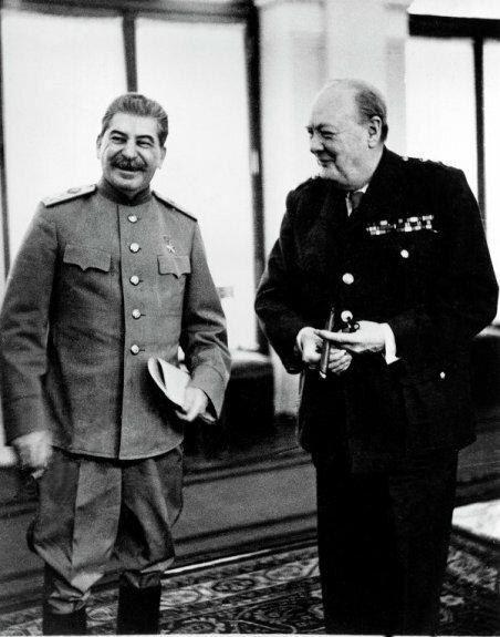 Сталин и премьер-министр Великобритании У. Черчилль в Ливадийском дворце в Ялте, февраль 1945 г.