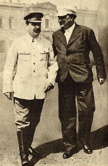Сталин и Димитров направляются на физкультурный парад на Красной площади. Фото: 1936 г.
