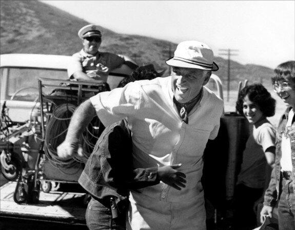 Стэнли Крамер на съемках фильма «Благослови зверей и детей». Фото 1971 г.