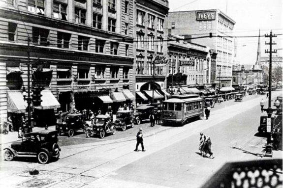 Ул. Тайрон в Шарлотт, Северная Каролина, США. Фото: 1920-е гг.