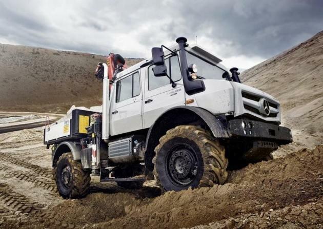 Локомобиль Unimog, пр-ва Mercedes-Benz