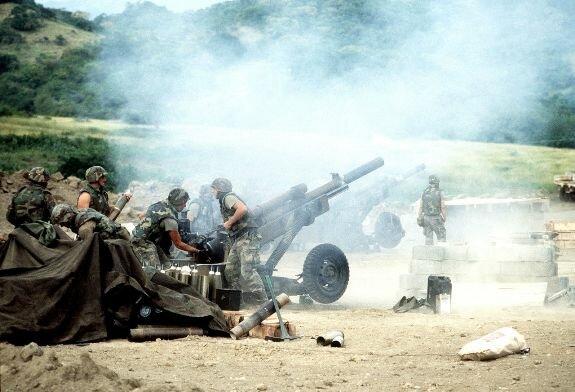 Позиция 105-мм гаубиц M102 1-го дивизиона 319-го артполка 82-й воздушно-десантной дивизии США в Гренаде