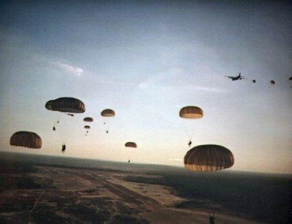 Высадка американских парашютистов в Гренаде. Фото: 25 октября 1983 г.