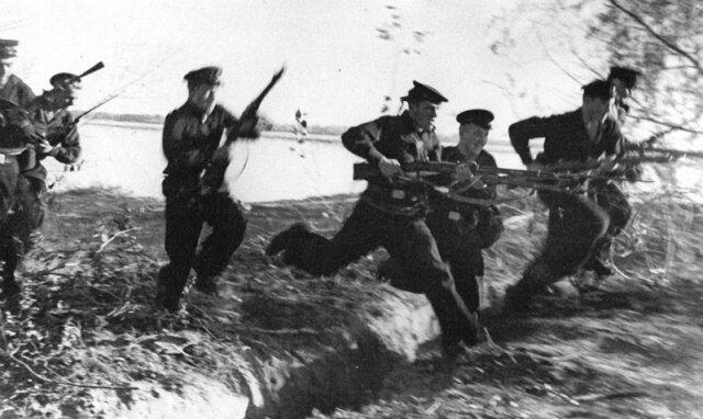 атака пехотинцев