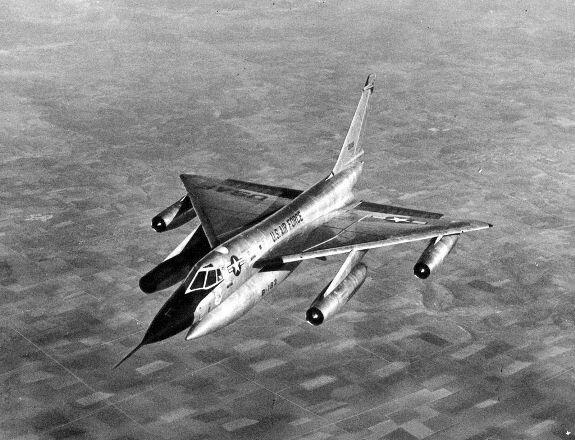 Бомбардировщик B-58 «Хастлер»