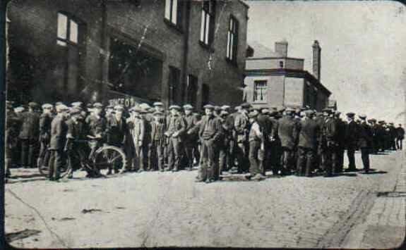 Бригада угольщиков во время Всеобщей стачки в Великобритании. Фото: май 1926 г.