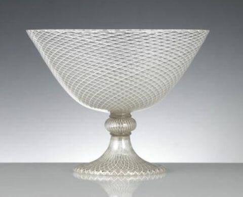чаша из сетчатого стекла