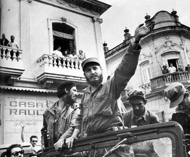 Торжественный въезд в Гавану Фиделя Кастро и Че Гевары, январь 1959 г.