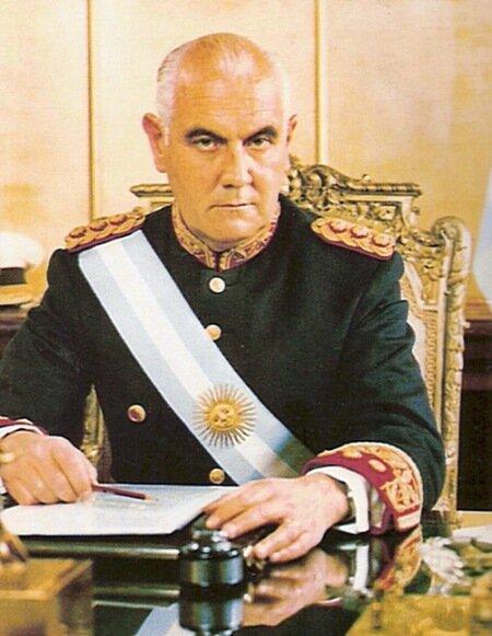 генерал Лануссе