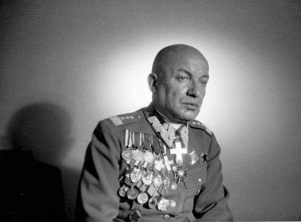 Генерал Кароль Сверчевский. Фото 1940-е гг.