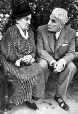 О.Книппер-Чехова и К.Хохлов во время гастролей Театра им. Леси Украинки в Москве, 1948 год