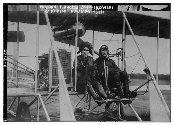 Княгиня Шаховская вместе с летчиком Абрамовичем (погиб в 1913 г.)