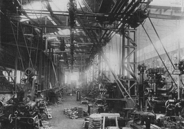 Цех металлообработки Людиновского локомобильного завода. Фото 80-х гг. XIX в.