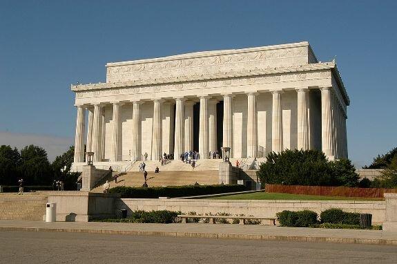 Мемориал Линкольна в Вашингтоне, США