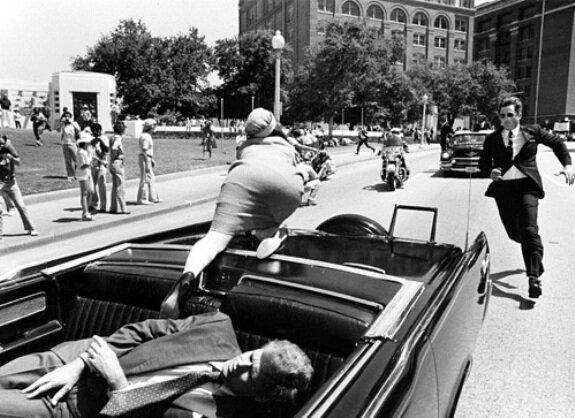В момент убийства Джона Кеннеди, 22 ноября 1963 г.