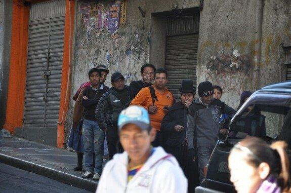 На улицах Ла-Паса, Боливия. Фото: http://angel-velde.livejournal.com/