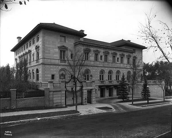 Особняк Ч. Гейтса в Миннеаполисе, 2501 Ист Лейк. Снесен в 1933 г.