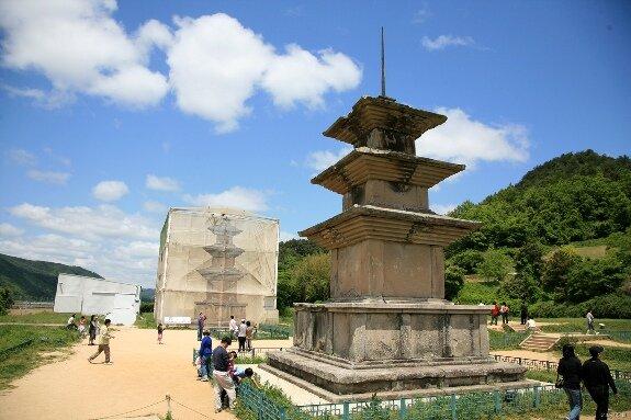 Пагоды в храме Гомынса