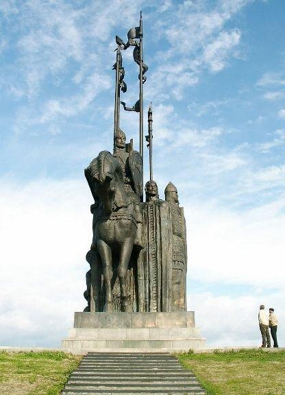 Памятник дружине Александра Невского на г. Соколиха во Пскове