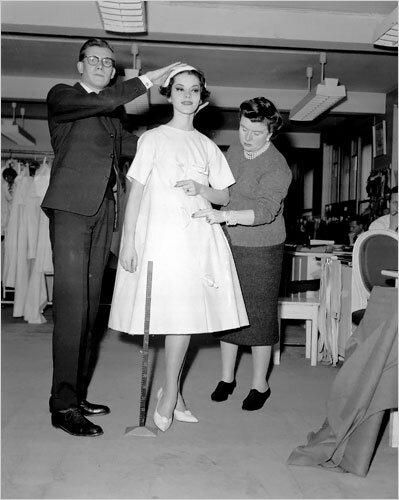 Платье-трапеция из коллекции Ив Сен Лорана