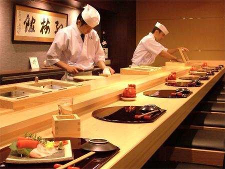 Приготовление суси в Японии
