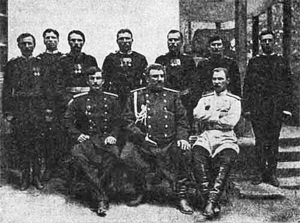 Н. М. Пржевальский с членами последнйей экспедиции