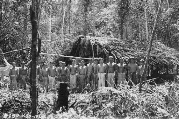 Рабочие готовятся расчистить джунгли в Фордландии, собственности американского магната Генри Форда, в штате Пара, Амазония. Фото: 1934 г.
