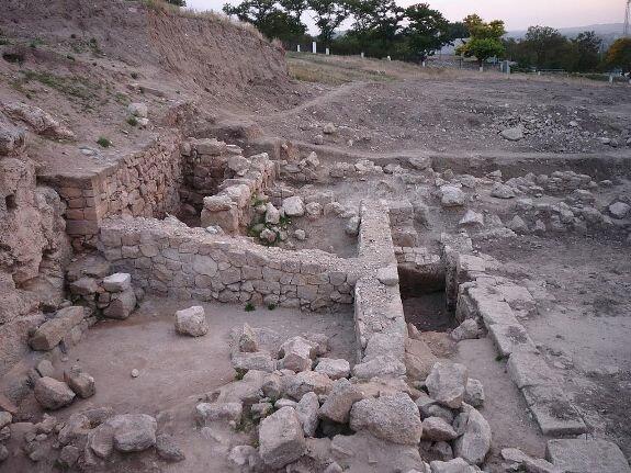 Раскопки античного города Пантикапей (современная Керчь), столицы Боспорского царства