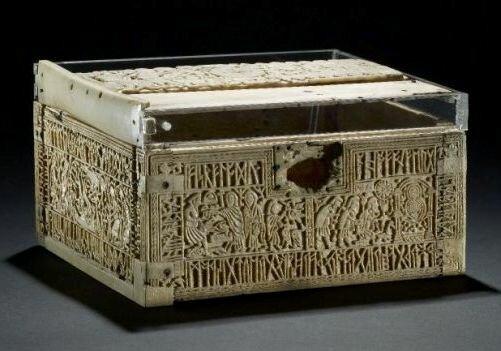 Руническая шкатулка. Британский национальный музей. Лондон. Великобритания