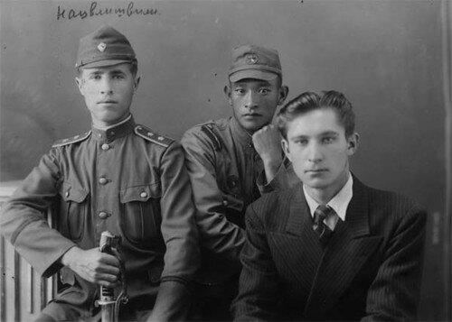Русские эмигранты на китайской службе. Фото 1920-х гг.