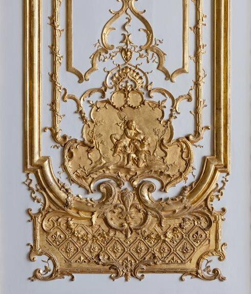 Стенной декор из спальни королевы