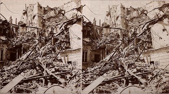 Неизвестный автор. Здания, разрушенные в Отёе во время Парижской коммуны. Стереоскопическая пара.