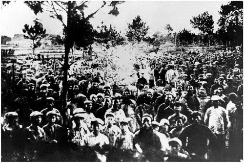 Участники первого всекитайского съезда