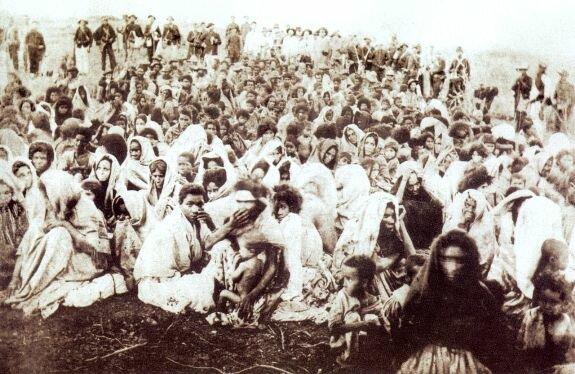 Выжившие после войны Канудус. Фото: 1897 г.
