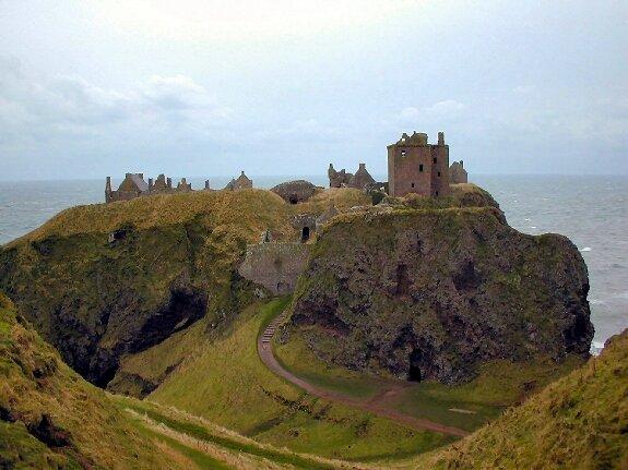 Замок Даннотар. Шотландия