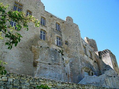 Замок Лакост, семейная вотчина де Сада